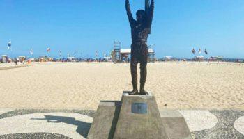 estátua Ayrton Senna no calcadao de Copacabana