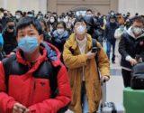 Na China, muitas pessoas estão usando máscaras para evitar que vírus se espalhe. Foto: Getty Images