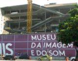 Nova sede do Museu de Imagem e do Som do Rio de Janeiro, que está sendo construída em Copacabana. Foto: Helmut Reuter/picture alliance via Getty Images